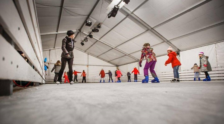 Eröffnung der  Eislaufbahn in Rab 2