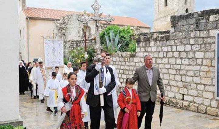 Rab Cross Procession 7