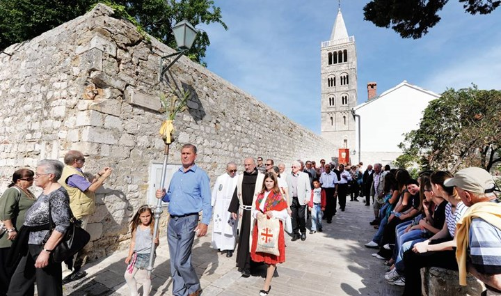 Rab Cross Procession 8