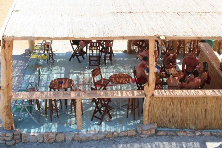 Beach bar 3