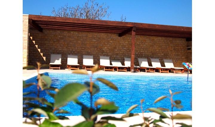 Lando Resort 5