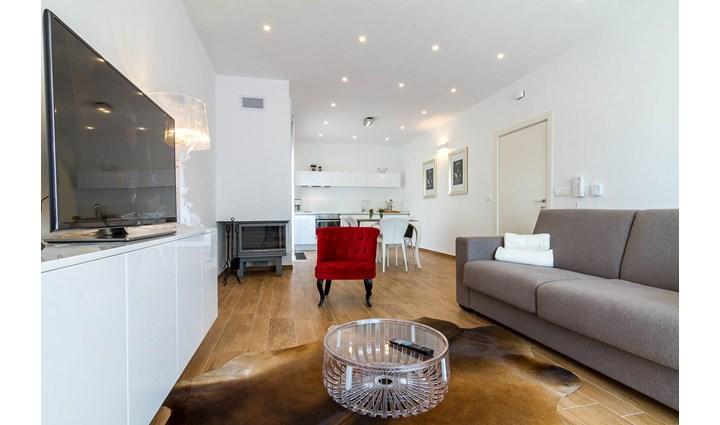 Villa Royal Apartments 18