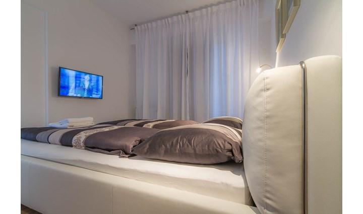 Villa Royal Apartments 20